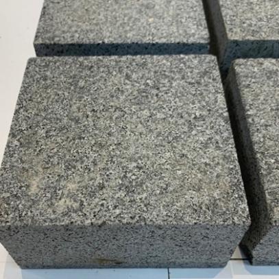 Mid Grey Sawn Granite Sett